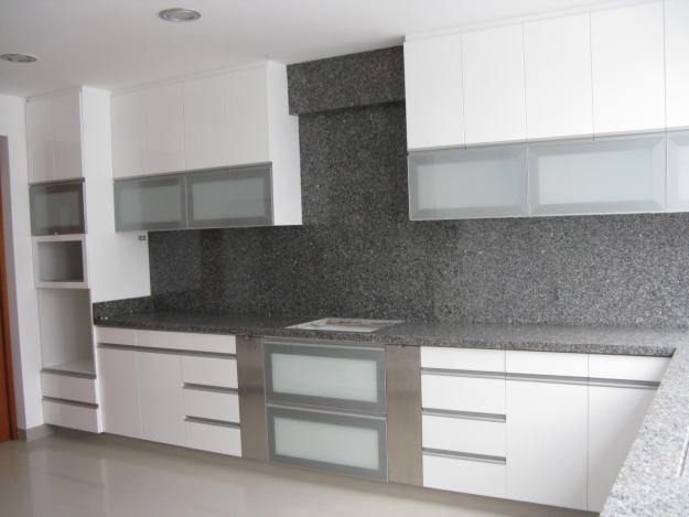 Diseños exclusivos de muebles para cocina y amoblamiento